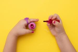 Non Toxic Nail Polish For Kids: 13 Children Safe Finger Nails Gel